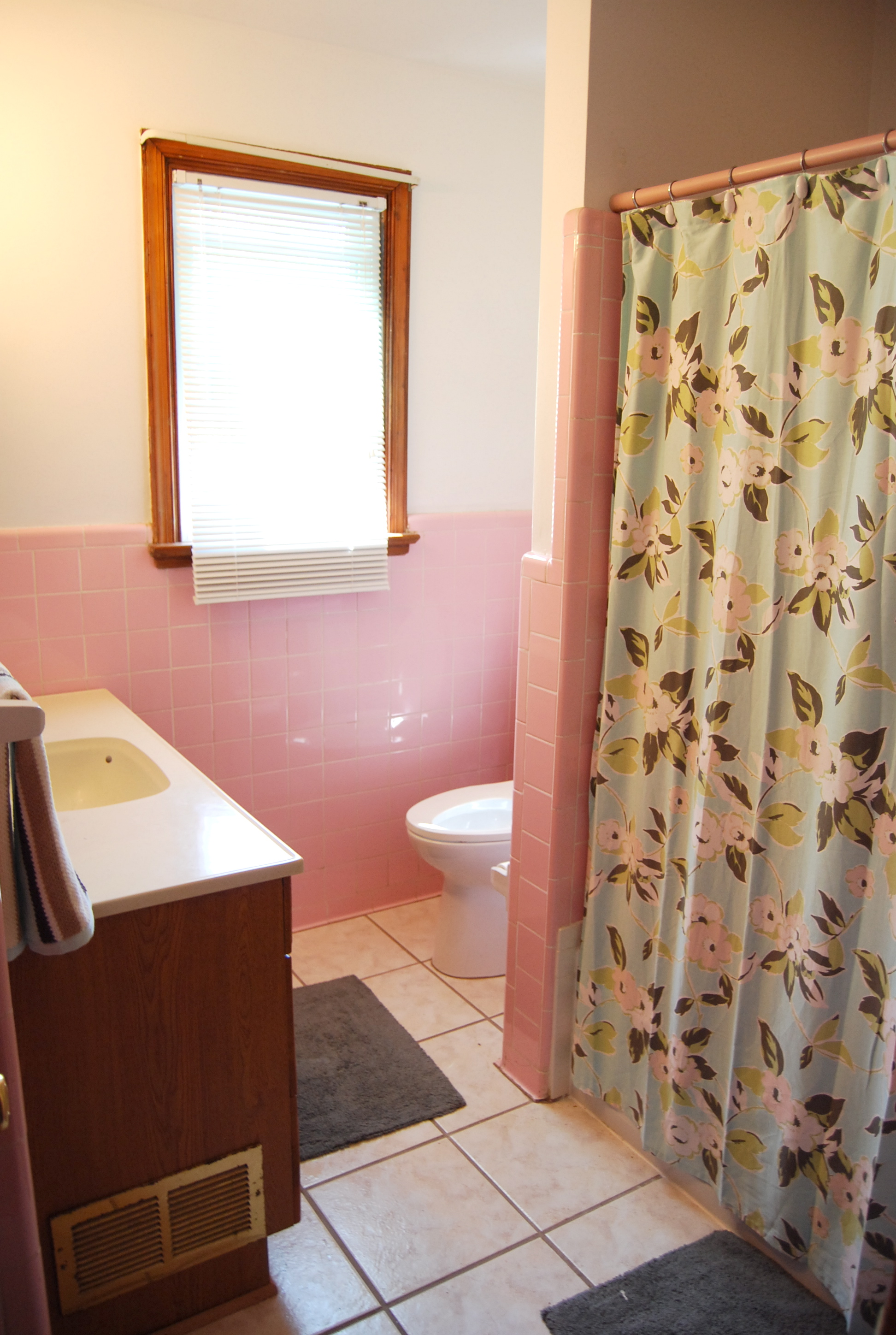 What do you do with a pink bathroom the motherblog for White and pink bathroom ideas